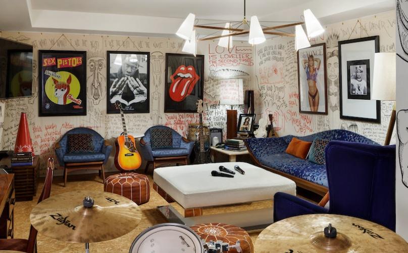 Karaoke Lounge, Henry Hall